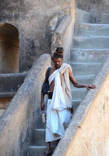 sadhu1.jpg