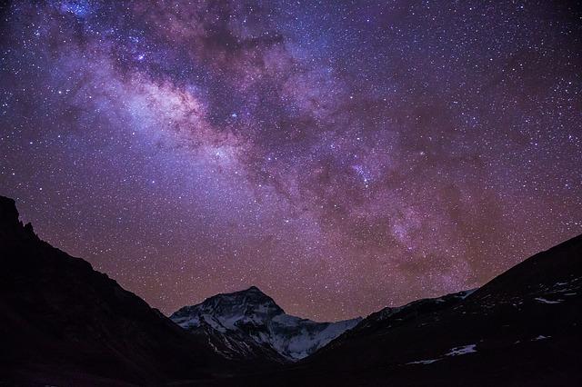 Droga Mleczna i góry